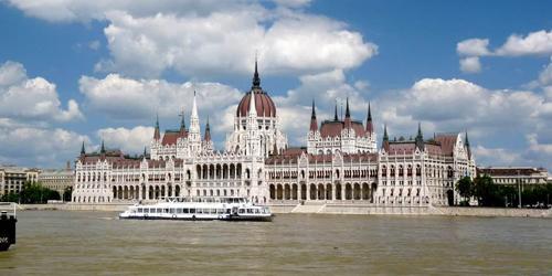 weekend a budapest, budapest, hôtel, budapest hotel, visite parlement, danube, place des héros, voyage budapest, sejour budapest